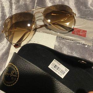 NWT Ray Ban aviator sunglasses